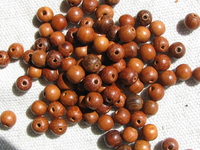 Bayong, wooden bead, round, 4-5mm, 30 pcs