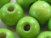Wooden bead, round, 14x13mm, lime, 15 pcs