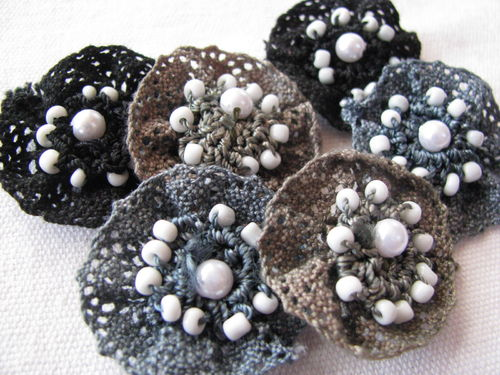 Lace flowers, black-grey, 6 pcs