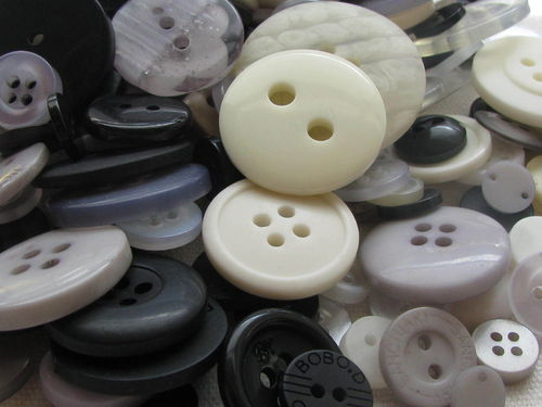 Button mix, black and white tones - Neutrals, 115g