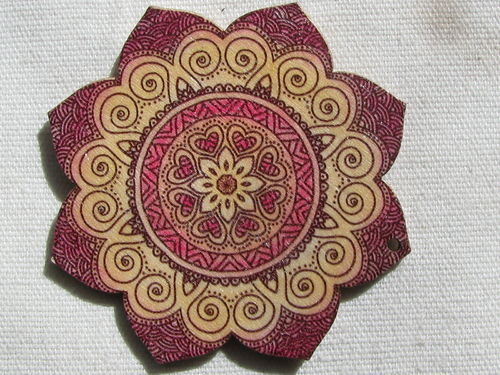 Mandala pendant, wood, 6cm, flower, burgundy, 1 pcs