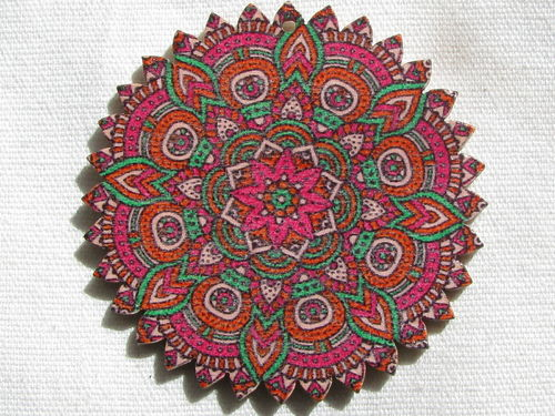 Mandala pendant, wood, 6cm, pointed, fuchsia, 1 pcs