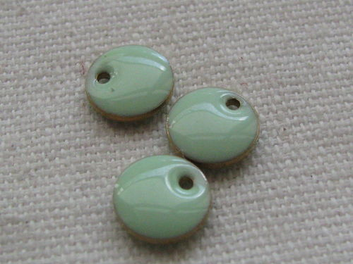 Enamel, flat round, 8mm, pale green, 1 pcs