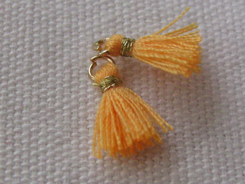 Mini tassel, 10mm, light orange, 4 pcs