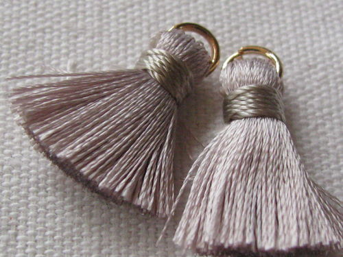 Tassel, thick mini, 20mm with ring, grey, 2 pcs