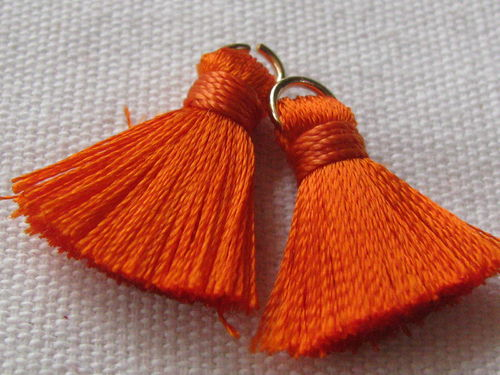 Tassel, thick mini, 20mm with ring, orange, 2 pcs