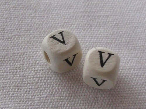 Wooden bead, cube 9x9mm, V letter, 1 pcs