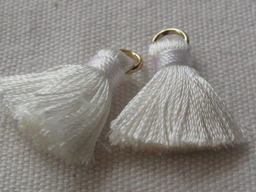 Tassel, thick mini, 20mm with ring, white, 2 pcs