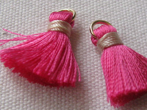 Tassel, thick mini, 20mm with ring, pink, 2 pcs