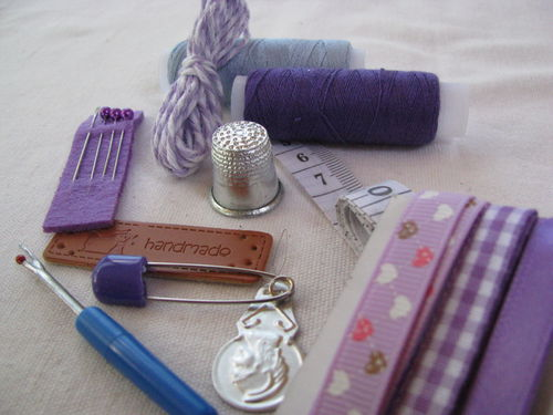 Sewing kit, lilac, 14 items